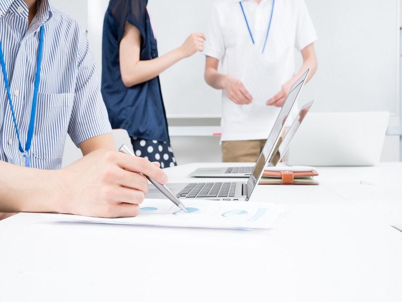 企業が新卒採用で筆記試験をやめない理由