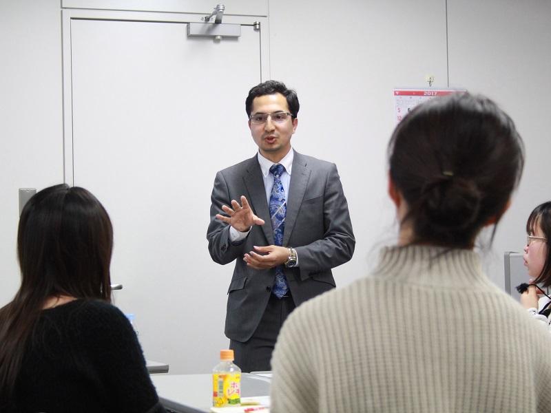 「日経HR Labo 就活ゼミ生」講座より【6】 留学生のための「業界・企業研究」(1)